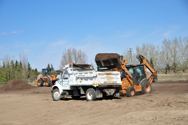 Excavation Lloydminster - Loaders 9