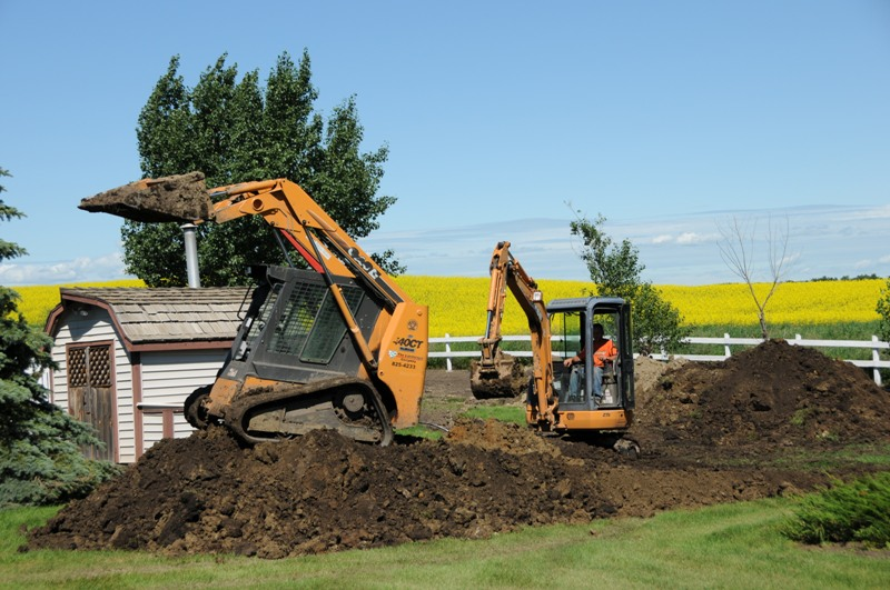 Excavation Lloydminster - Skidsteers 6